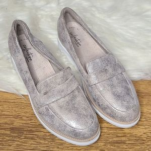 Collection by Clark's silver metallic loafers 8.5